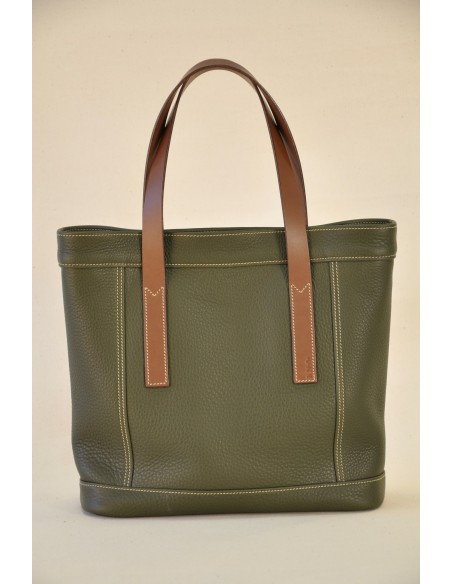 Valentine bag for woman in khaki taurillon, lined with linen.