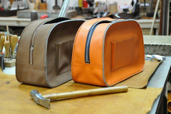 sac Betty Assemblage des corps du sac avec le bandeau et couture.