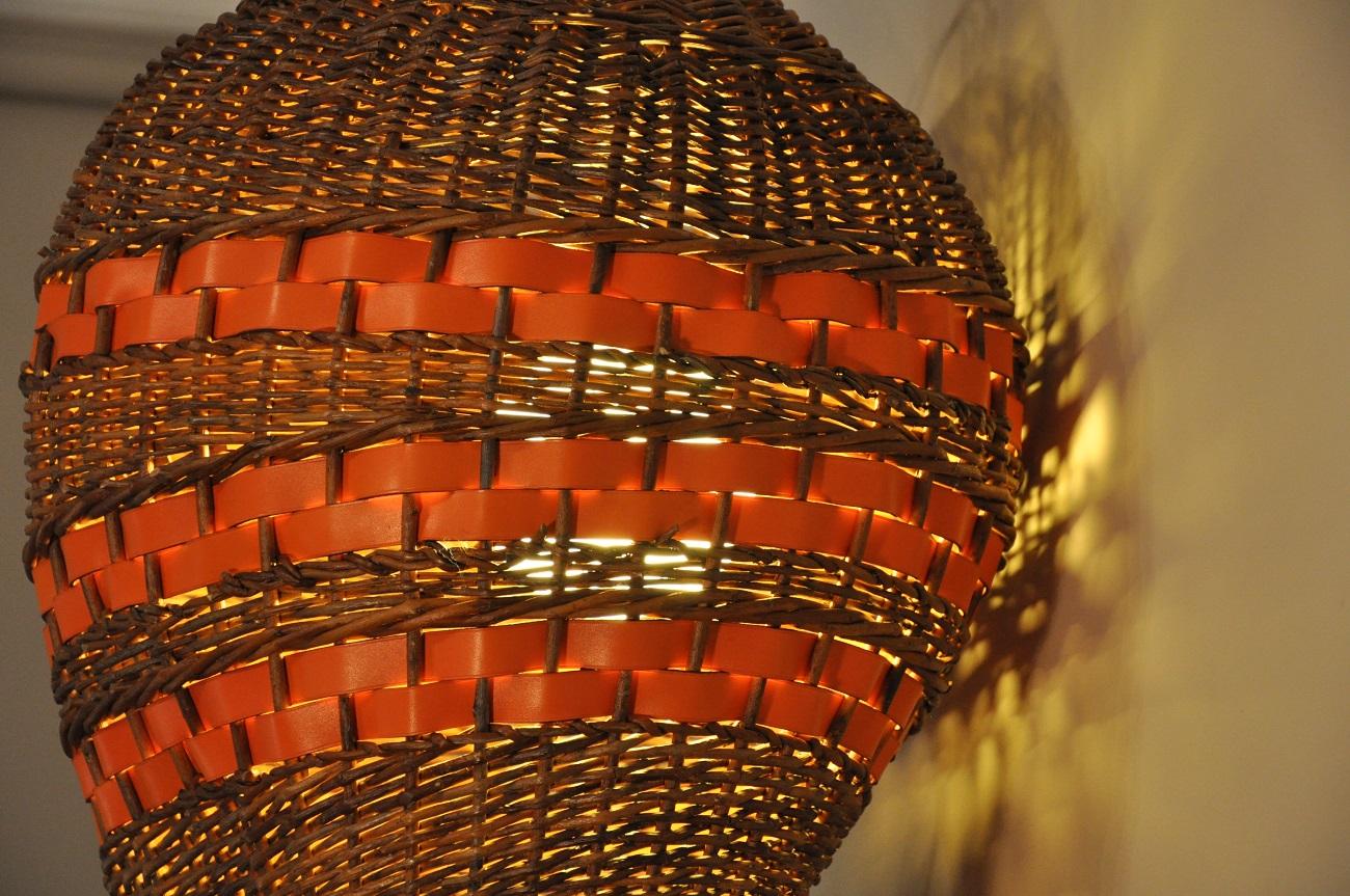 Luminaires en osier et cuir pi ces uniques pour la maison for Luminaire en osier