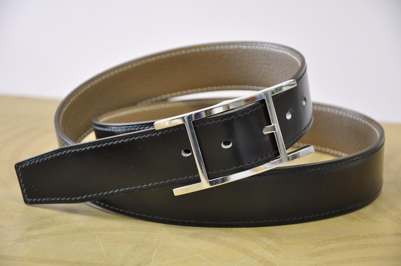 Ceinture sur-mesure en box noir pour une boucle Hermès. Fabrication LE NOËN Maroquinier de luxe.