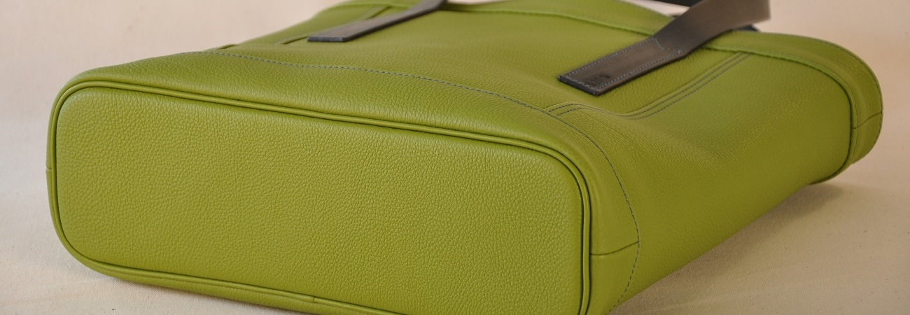 Models for women and men : bags, luggage, small leather goods, belts, design for home... French luxury leather goods craftsmen.