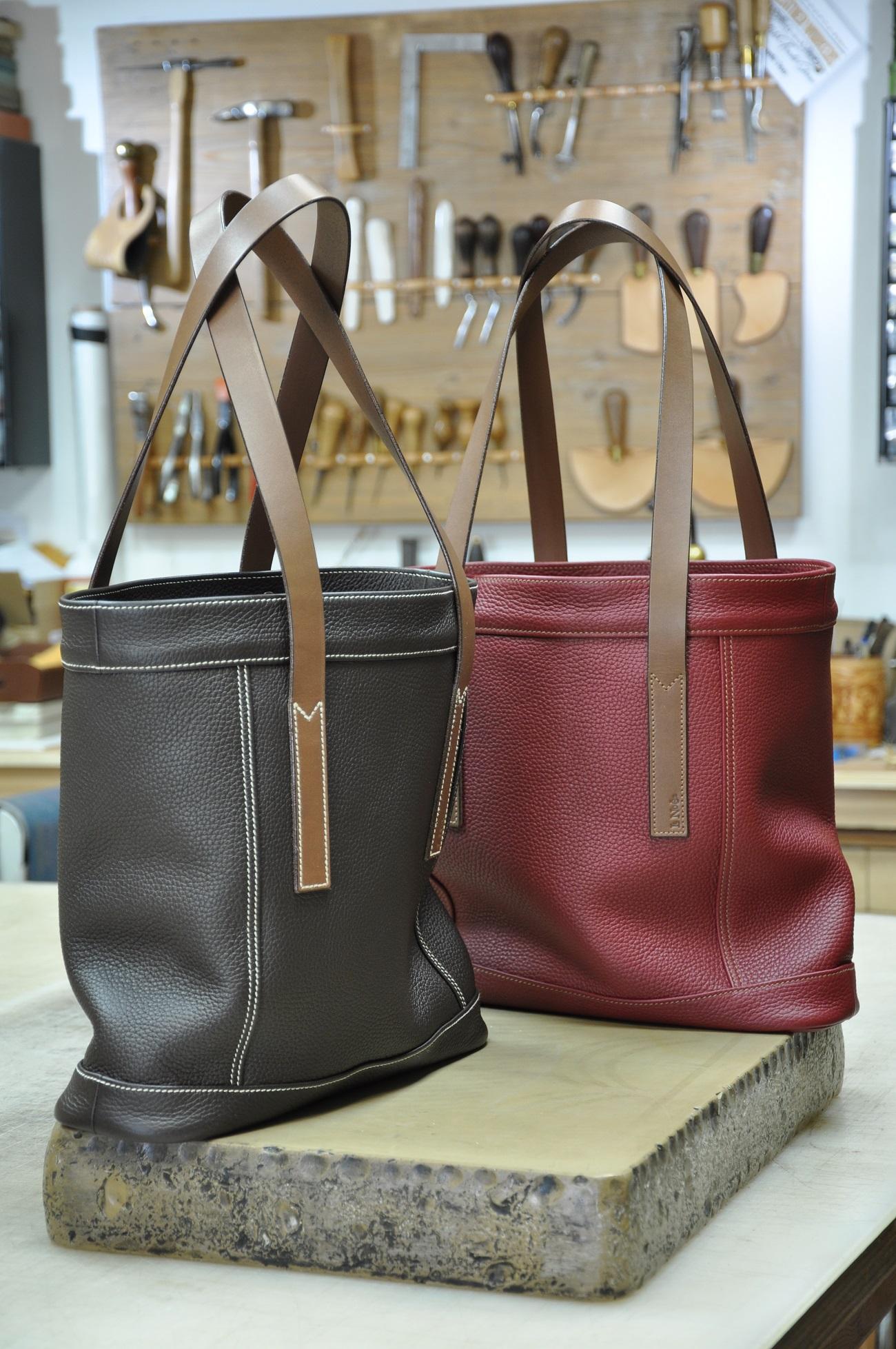Sacs femmes sur-mesure en cuirs. Création originale et fabrication française par LE NOËN maroquiniers de luxe.