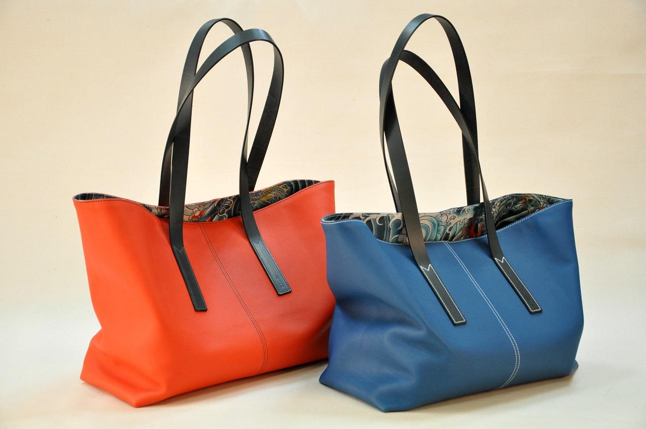 Tote bags for woman limited serie, in swift calfskin, linen Jean-Paul Gaultier inside, cowhide handles. France