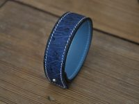 Bracelet autruche bleu par les créateurs de maroquinerie de luxe LE NOËN