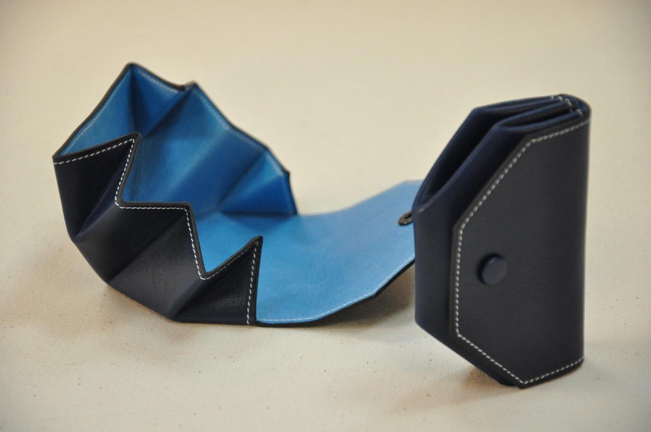 Porte-monnaie Picaillon en box bleu, doublé en porc bleu. Création LE NOËN sellier maroquinier Français