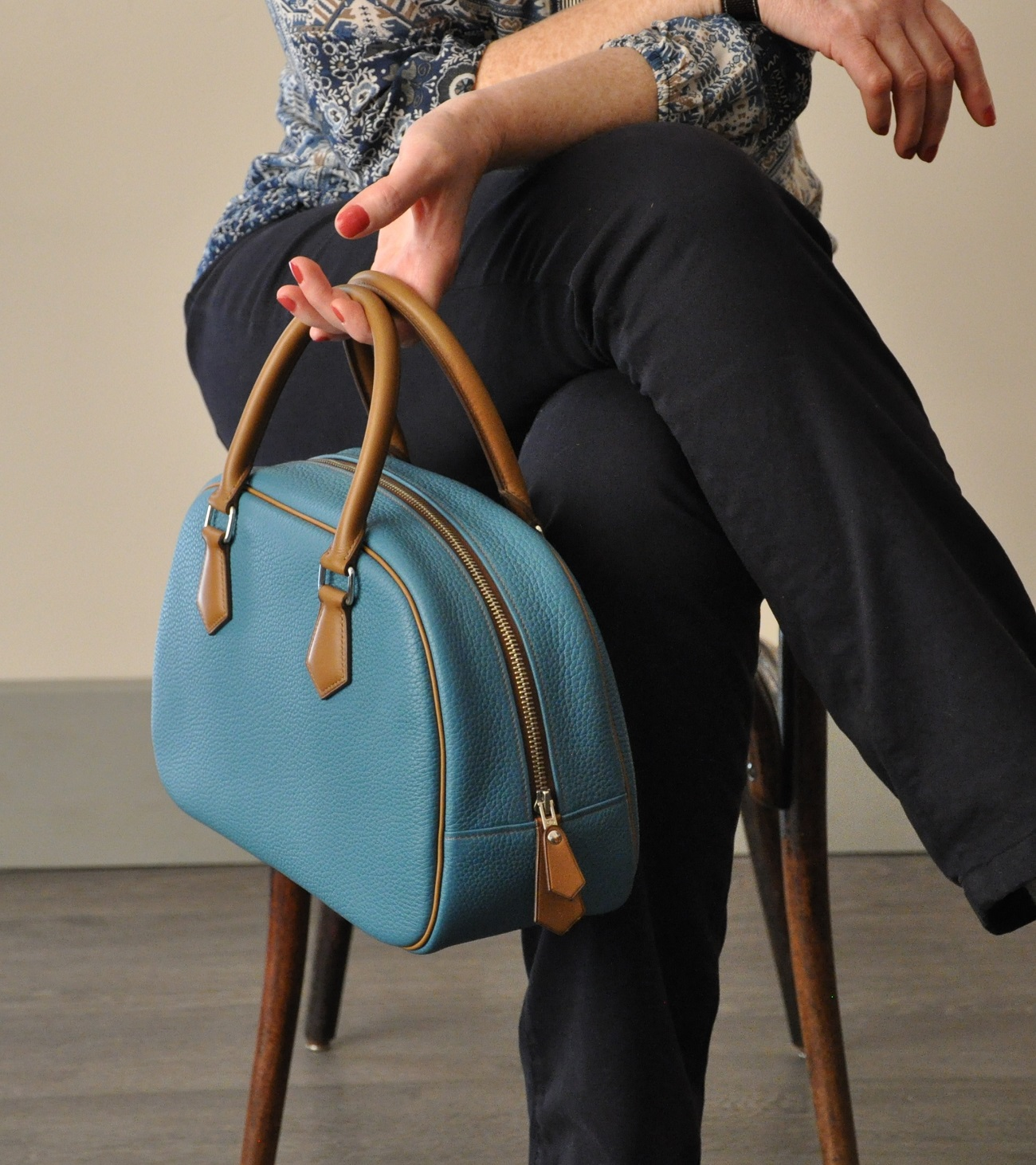 French leather handbag Betty. Made in taurillon in our workshop.