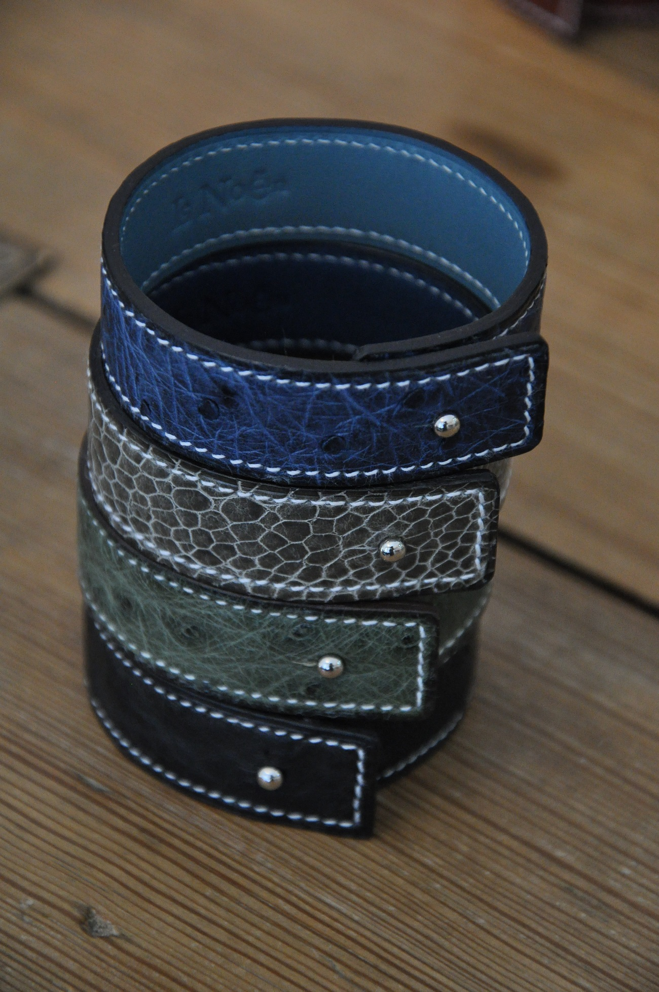 Bracelets with precious leathers for woman or man. Made in alligator, ostrich, lizard by LE NOËN. France