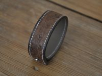 Ostrich bracelet for woman or man. Famous French savoir-faire by a luxury leather goods craftsmen in France LE NOËN.